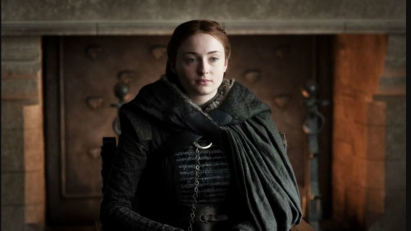 Sophie Turner says she loves 'a soul, not a gender'