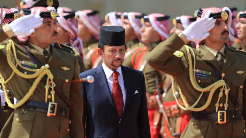 Homosexuals will be punished to death by stoning in Brunei